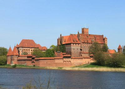 Château Malbork-zamek i otoaczające go miasto powstały w XIII w. przez ponad 100 lat znajdowała się pod władaniem Krzyżaków.