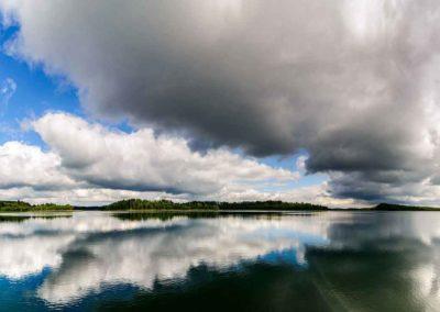 Mazury---piękna-kraina-w-pn-wsch-Polsce---jest-tu-to-ponad-2000-jezior.-Najgłębsze-jezioro-Hańcza-ma-glębość-108,5-m.