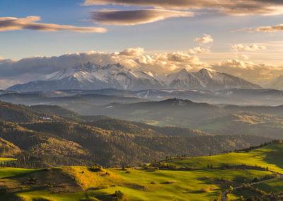 Pieniny ,Wysoki Wierch , widok  na Tatry i sowacki Spisz
